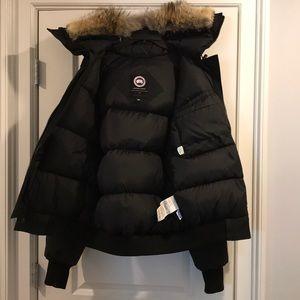 canada goose jacket hood fur
